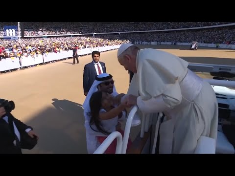 Girl Breaks Security Barriers To Run To The Pope In UAE