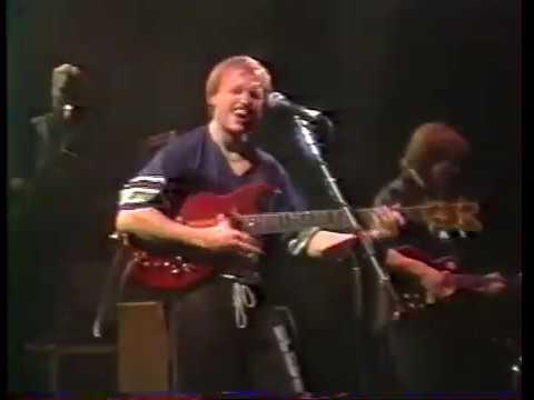 Level 42 - Micro-Kid + The Sun Goes Down (live) - 1986 - Printemps de Bourges