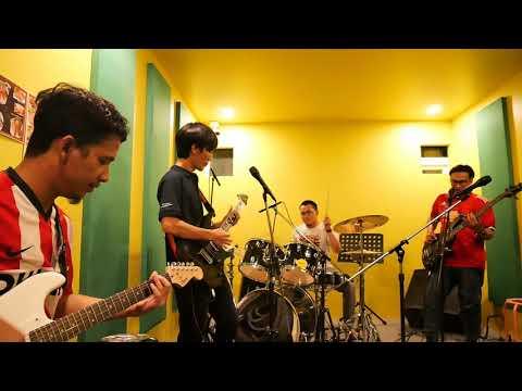 Lagu Indonesia dinyanyikan Band Thailand
