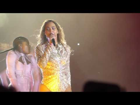 """Freedom & Survivor & Halo(In Water Pool)"" Beyonce@Hersheypark PA Stadium 6/12/16"