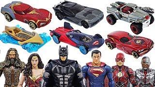 - Justice League Batman, Superman, Marvel Avengers Hulk Hot Wheels Defeat dinosaurs DuDuPopTOY