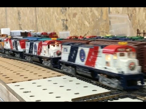 Tyco Pulls long train in HO scale with AHM As the DPU times two