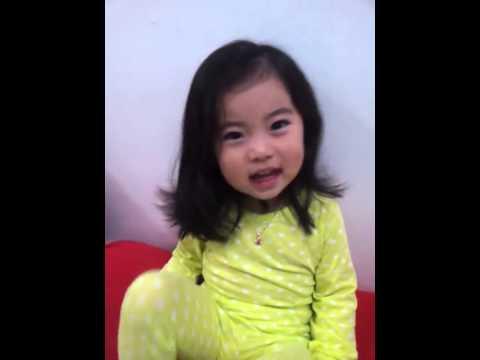 C B Mom Tries To Teach Adorable Girl
