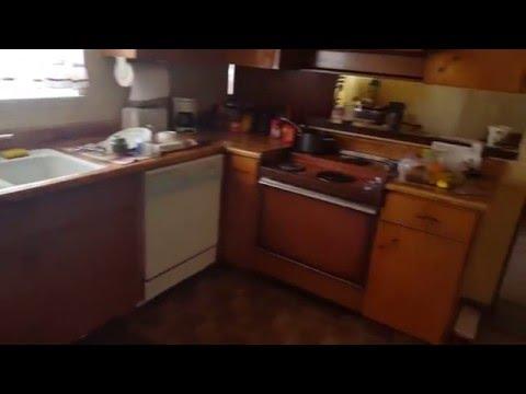 4. Judson Inside Front- Living Room-kitchen