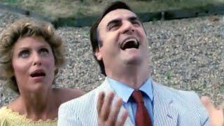 Video T'es folle ou quoi ? (1981) - Bande-annonce download MP3, 3GP, MP4, WEBM, AVI, FLV November 2017