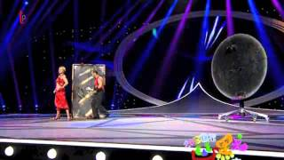 Knife Act from China Comedy Festival on CCTV - Divers_177 Thumbnail