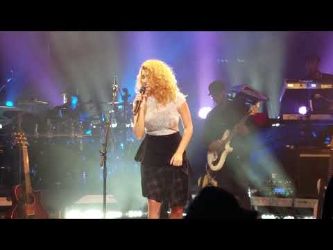 Tori Kelly - All in my Head/Should've Been Us (LIVE) Munhall, PA