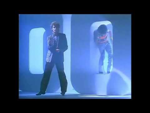 Daryl Hall and John Oates - OUT OF TOUCH