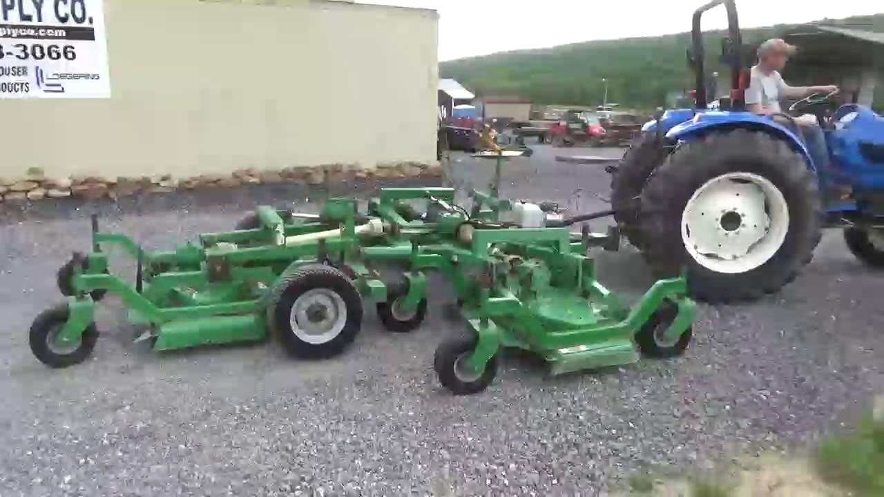 Frontier FM2112R Flex Wing Grooming Mower Finish 12 Cut Pull Type