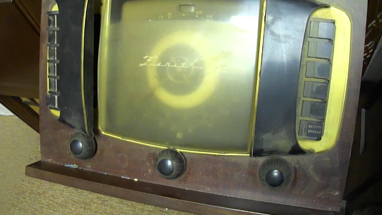 1946 Zenith 12H092 Console Radio/Phono before repairs