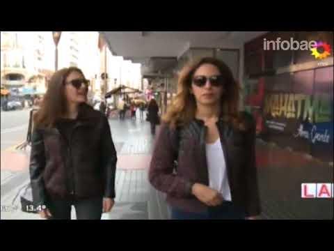 Una reconocida actriz de la novela turca Esposa Joven se enojó y se fue de un programa en vivo