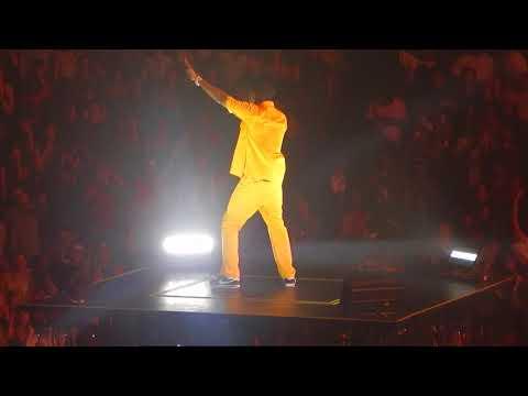 Kendrick Lamar - Money Trees (Live 8-16-2017) Kansas City