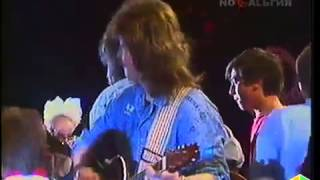 099 Андрей Макаревич и А Кутиков   Кошка гуляет сама по себе 19901