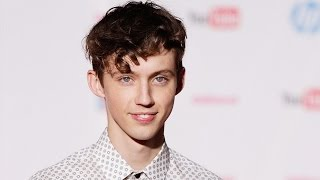 Troye Sivan Has The BEST Reaction To His Nude Pics Leaking