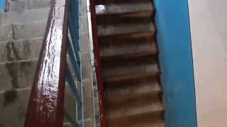 видео Весенняя капель в подъезде