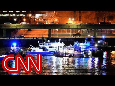 Helicopter down in New York's East River