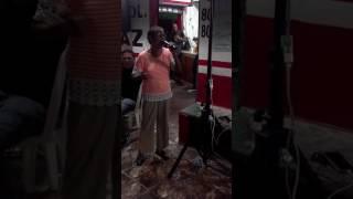 La dora en karaoke