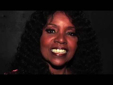 Vic Damone - The Shadow of Your Smile (Tribute To Gloria Gaynor)