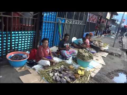 Indonesia: Street Market in Wamena, Papua Province インドネシア・パプア州ワメナのストリート・マーケット