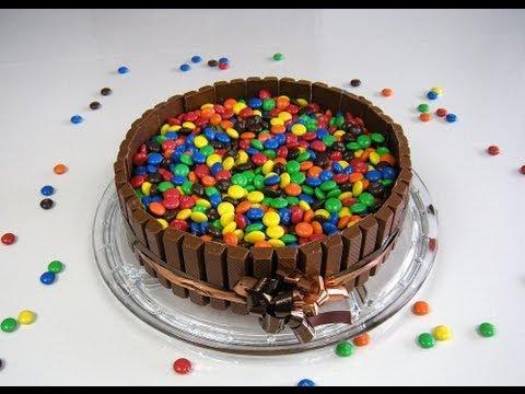 Candy Cake (Süßigkeiten-Kuchen) z.B. mit KitKat und M&M´s