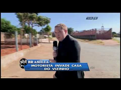 Motorista invade casa do vizinho