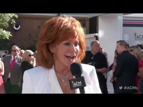 2017 ACM Awards: Reba McEntire Red Carpet Interview