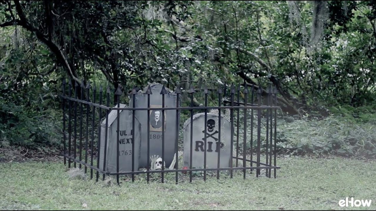 How to Make a Cheap Cemetery Fence for Halloween