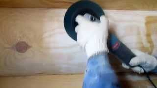 видео Процесс шлифовки стен дома из бруса