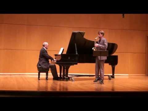Scaramouche Suite pour Saxophone et Piano by Darius Milhaud