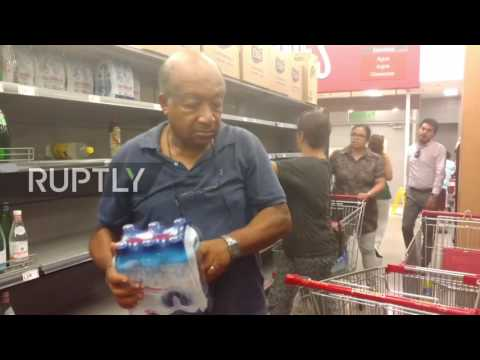 Peru: Scores stock up on water supplies after shortage due to flooding