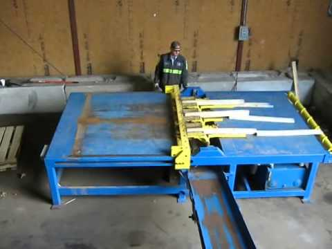 pallet disassembly machine