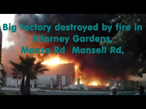 💥Big factory destroyed by fire🔥 in Kilarney Gardens, Cape Town, South Africa.