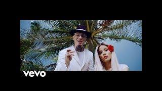 Gambar cover J-AX- La Mia Hit  ft. Max Pezzali (Lyric Video)