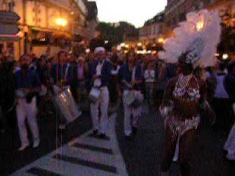 Carnaval, défilé samba et déambulation | groupe de musique brésilienne les Gringos