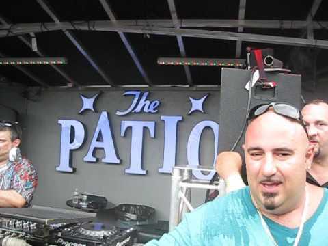 Jonathan Peters & Johnny Vicious classics at Patio Freeport LI 8/21/16