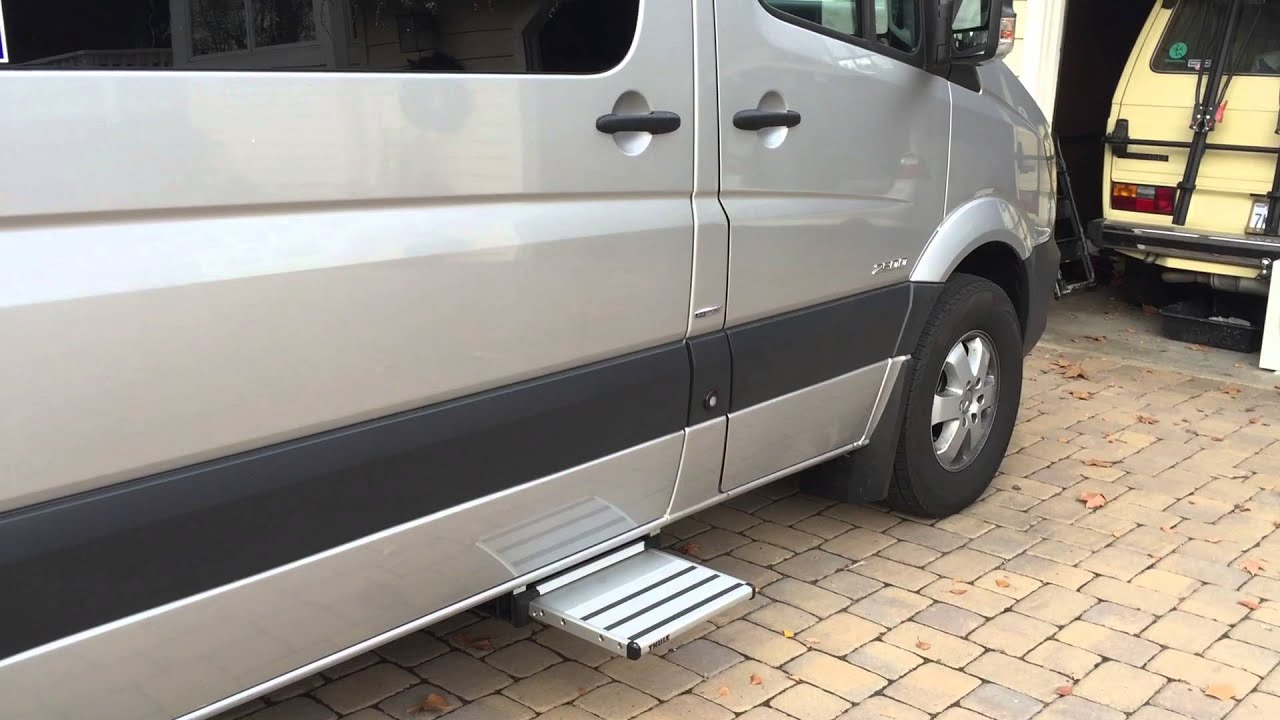 Thule omni-step automatic sliding step 400mm - YouTube