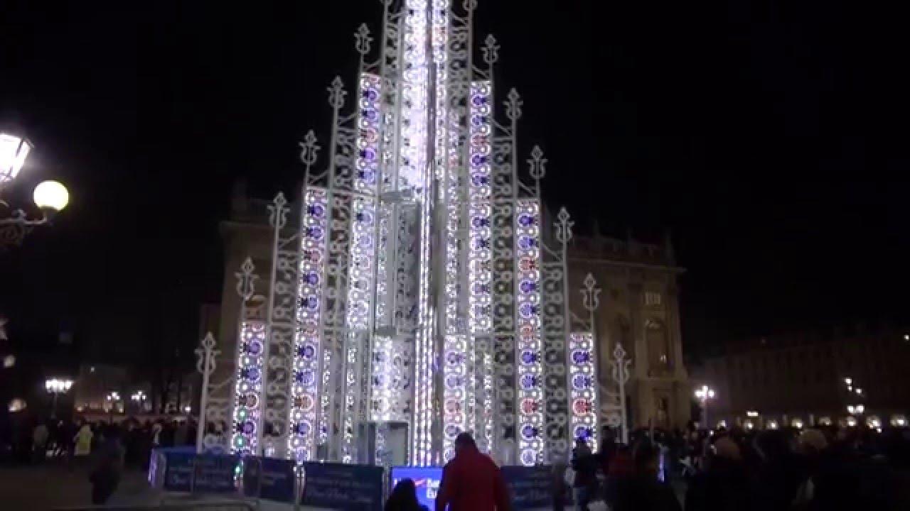 Torino, lo spettacolare albero di Natale 2015 in perfetto stile Expo (Piazza Castello) - YouTube