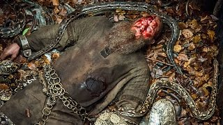 Vikings S04E15 - Ragnar's death - Pit of snakes