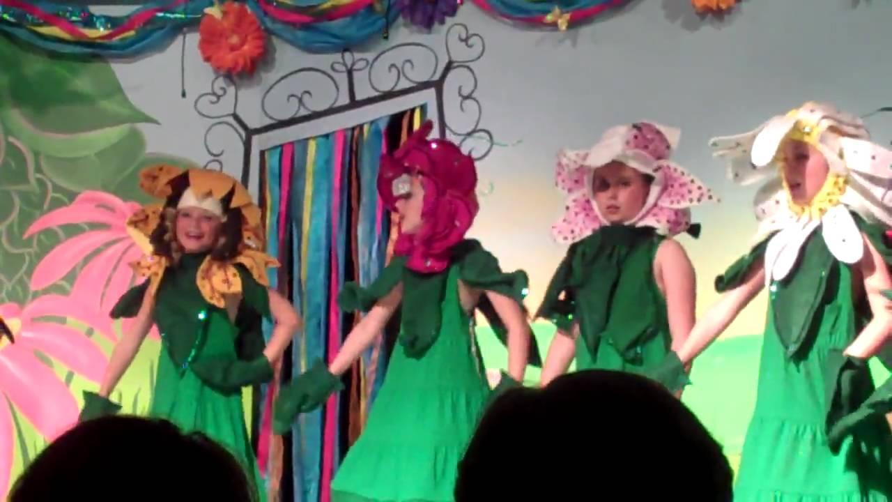 Alice In Wonderland Flowers