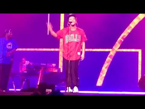Bruno Mars straight up and down live concert AccorHotels Arena Bercy le 6 Juin 2017