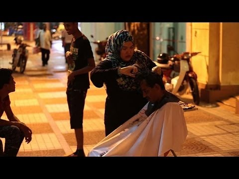 The kindest cut: Malaysian charity styles the homeless