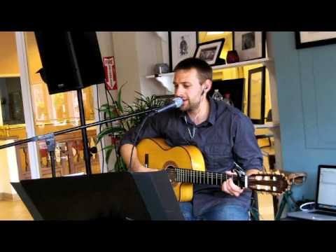 Gary Jules - Mad World Live Acoustic Cover...