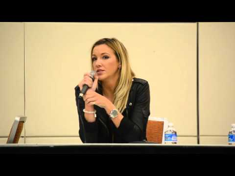 Katie Cassidy at Baltimore Comic con 92715 part 1 of 3