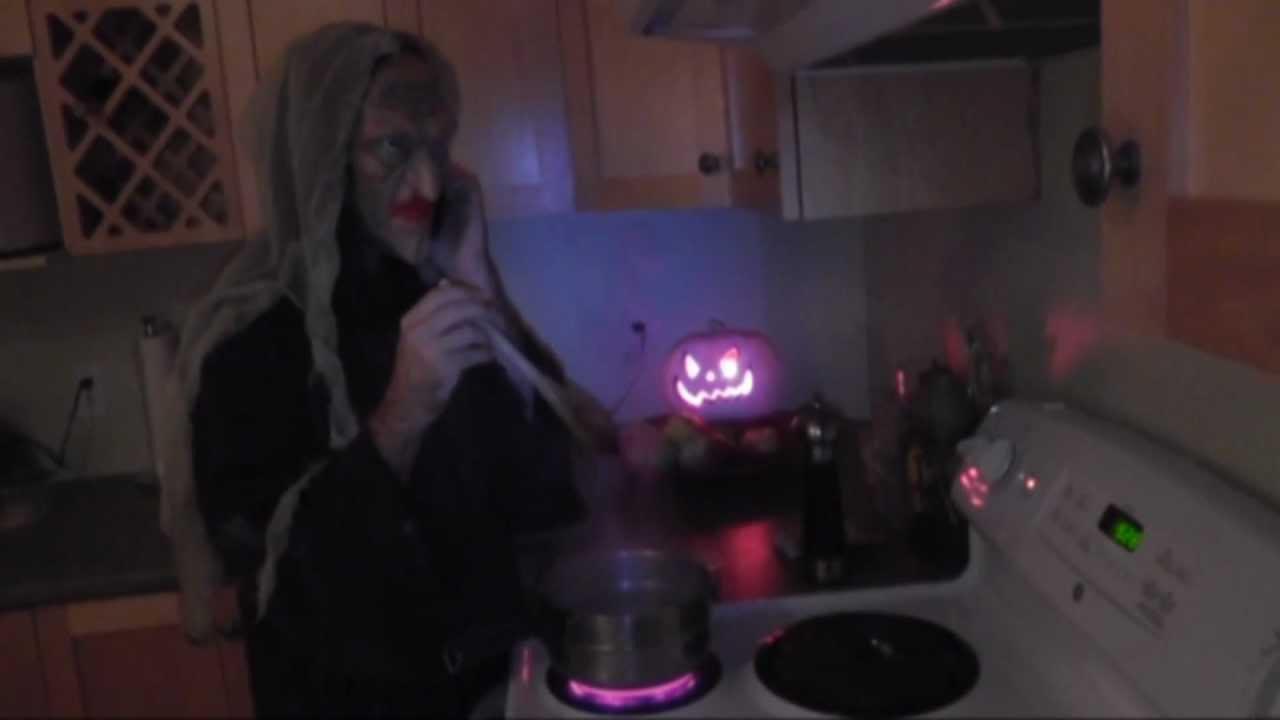 Halloween grandmother saison 4 episode 1 la s rie la for Decoration qui fait peur