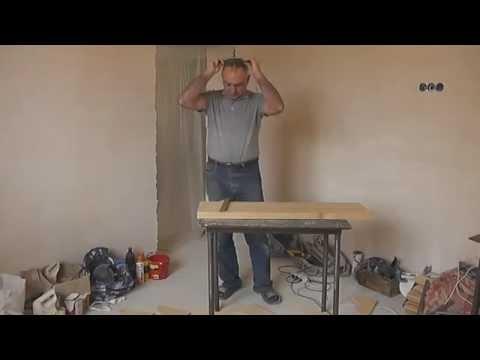 Изготовление деревянной лестницы видео. Монтируем ступени и подступь. Видео 2.