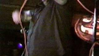 Zumbis do Espaço -Guardada Pra Sempre ( Posso Sk8 Bar Caçapava SP) 08/11/03