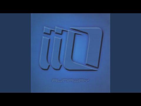 Runaway (feat.Nadia Ali)
