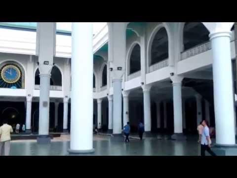 Adzan Merdu Masjid Agung Surabaya