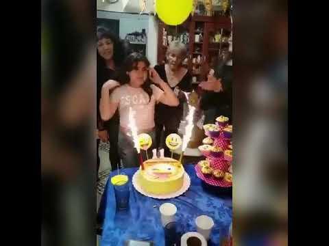 None - Una Niña Y Una Señora Se Prenden En Fuego En Su Cumpleaños!