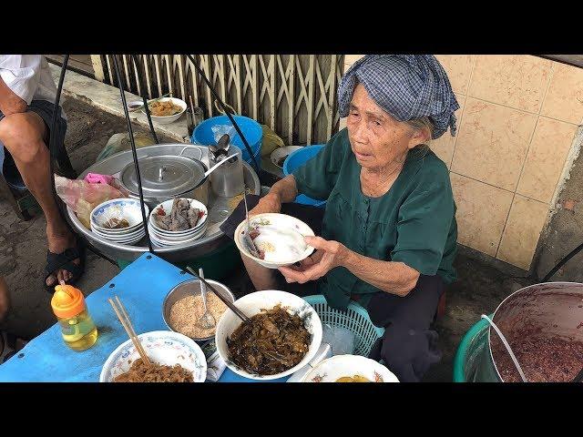 Nồi cháo đậu nước cốt dừa 45 năm của cụ bà 82 tuổi ở Sài Gòn